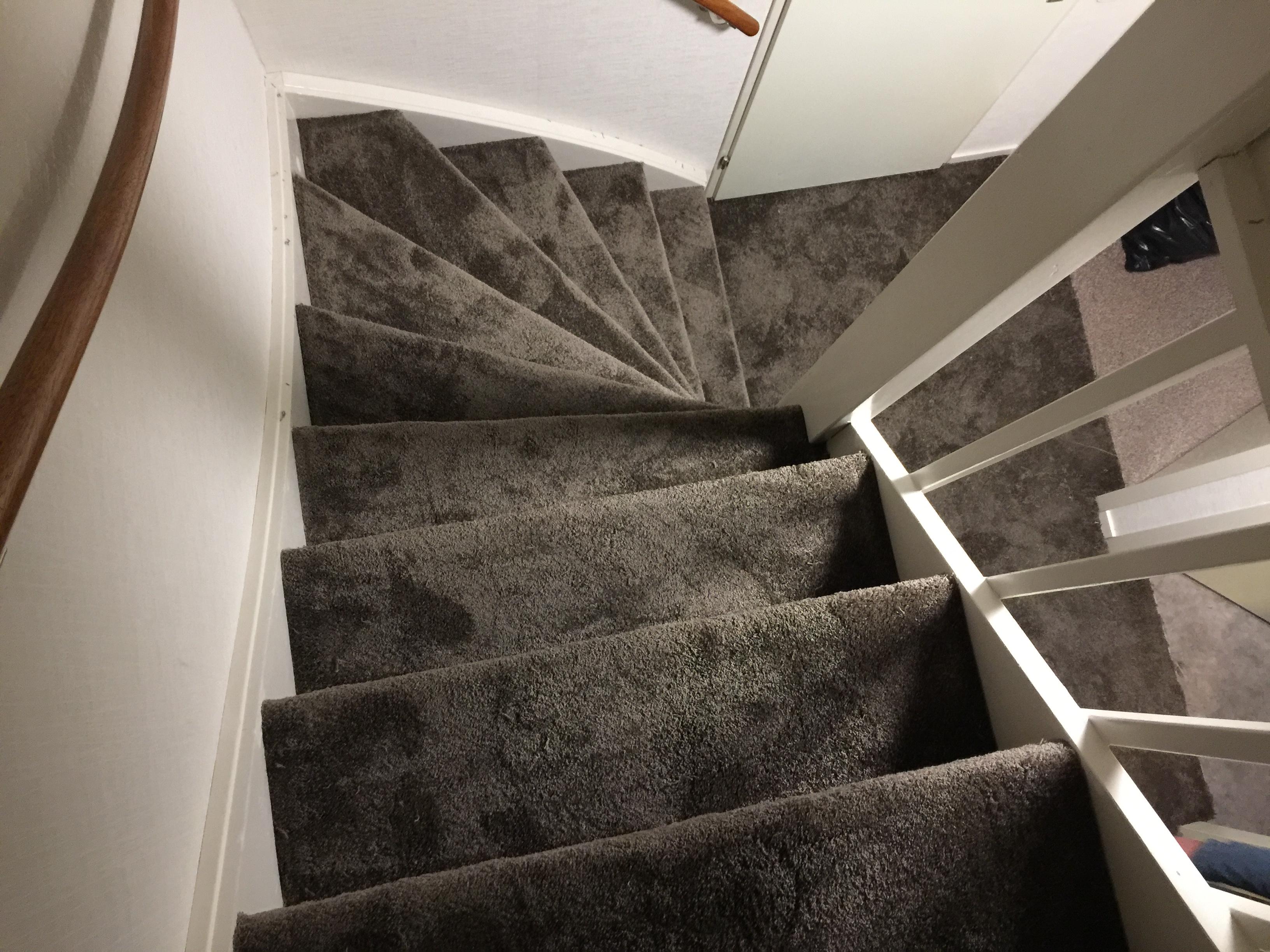 Goede Trappen bekleden Utrecht – Vakkundig en voordelig trappen stofferen JM-74
